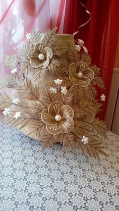 Jute Cloth, an ideal accessory for spectacular decorations Jute Flowers, Fabric Flowers, Paper Flowers, Organza Flowers, Burlap Crafts, Yarn Crafts, Diy Diwali Decorations, Burlap Projects, Glass Bottle Crafts