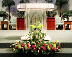 Diy Wedding Wreath, Church Wedding Decorations, Altar Decorations, Flower Decorations, Altar Flowers, Church Flower Arrangements, Church Flowers, Floral Arrangements, Florists