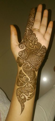 Are you looking for some fascinating design for mehndi? Or need a tutorial to become a perfect mehndi artist? Easy Mehndi Designs, Bridal Mehndi Designs, Latest Mehndi Designs, Henna Art Designs, Mehndi Designs For Girls, Mehndi Designs For Beginners, Dulhan Mehndi Designs, Mehndi Design Photos, Mehndi Designs For Fingers