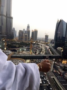 lujoso estilo de vida de marketing: 3 maneras de apelar al estilo de vida . Dubai, Billionaire Lifestyle, City Aesthetic, Lofoten, Life Goals, Luxury Lifestyle, Rich Lifestyle, New York City, Places To Go
