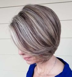 20 Ageless Hair Colors for Women Over 50 - Jaw-Length Ash Blonde Bob with Swoopy Bangs - Ash Blonde Bob, Blonde Balayage Bob, Grey Blonde, Hair Color Balayage, Blonde Hair, Platinum Blonde, Ombre Hair, Wavy Hair, 50 Hair