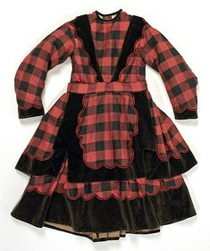 Red and black check dress with black velvet scalloped trim Victorian Children's Clothing, 1800s Clothing, Antique Clothing, Historical Clothing, Old Dresses, Vintage Dresses, Vintage Outfits, Vintage Fashion, Civil War Fashion