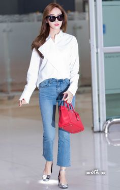 Jessica at Incheon Airport Back from Beijing Snsd Airport Fashion, Kpop Fashion, Asian Fashion, Daily Fashion, Girl Fashion, Jessica Jung Fashion, Japan Outfit, Airport Style, Korean Outfits