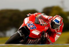 casey stoner 2007 | Casey Stoner Casey Stoner of Australia and the Ducati Team rides over ...