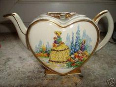 heart shaped tea pot