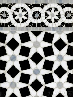 "Venetian Daisy Grande with 5"" Venetian Daisy Border by Appomattox Tile Art"