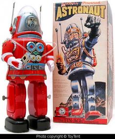 Beautiful Tin Age collection battery operated astronaut robot with walkie talkie made by the Osaka Tin Toy Institute Vintage Robots, Retro Robot, Retro Toys, Vintage Toys, Japanese Robot, Science Fiction, Space Toys, Vintage Space, Tin Toys