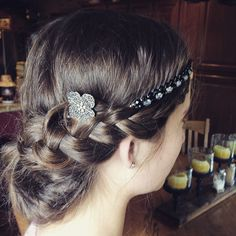 Super cute, hairband with the Elegant Flower Bobby Pin. #lillarose www.lillarose.biz/lanelt