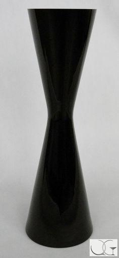 Wazon szklany czarny stożkowy wysoki h-60