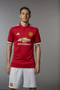 Matteo Darmian - Manchester United profile - Official Manchester United Website