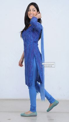 Bollywood Girls, Indian Bollywood, Bollywood Fashion, Bollywood Actress, Prettiest Actresses, Beautiful Actresses, Indian Bridal Lehenga, Desi Wear, Cinema Actress