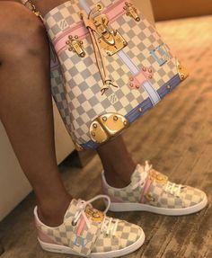 2020 New Louis Vuitton Handbags Collection for Women Fashion Bags Vuitton Bag, Louis Vuitton Handbags, Purses And Handbags, Tote Handbags, Gucci Purses, Cute Shoes, Me Too Shoes, Zapatillas Louis Vuitton, Fashion Bags
