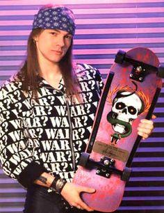 Axl Rose sporting a Mike McGill / Powell-Peralta deck skateanddestroy sk8anddestroy KickThatBike gleamingthecube sidewalksurfingcubegleamers somethingwickedthiswaycomes sidewalksurfing SidewalkSurfer sidewalsurf skateordie sk8ordie sk8 skate skateboards skateboard skateboarding sk8boards sk8board sk8boarding haveyouseenhim animalchin 80sskateboard 80sskateboarding Guns N Roses, Old School Skateboards, Vintage Skateboards, Skate Rock, Metallica, Steven Adler, Slash, Rock Legends, Celebs