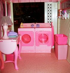 Barbie A-Frame Dream House in Pink and White by Mattel with the Sweet Roses Washer and Dryer Barbie Doll House, Barbie Toys, Barbie Dream House, Barbie I, Barbie World, Barbie Clothes, Barbie Stuff, Childhood Toys, Childhood Memories