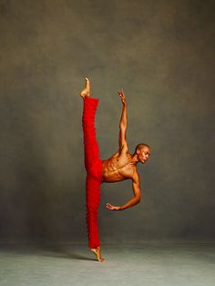 The Alvin Ailey American Dance Theater by Andrew Eccles A look at acclaimed photographer Andrew Eccles' impressive body of work with The Alvin Ailey American Dance Theater; one of the most powerful. Alvin Ailey, Shall We Dance, Lets Dance, Praise Dance, Tango, Hip Hop, Dance Like No One Is Watching, Dance Movement, Body Movement