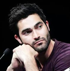 If only Tyler Hoechlin could stare at me like that...