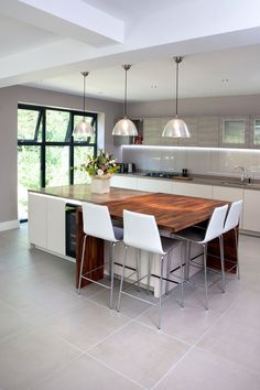The Drive - Torino Wi1-340 : Modern kitchen by in-toto Kitchens Newcastle
