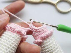 Mesmerizing Crochet an Amigurumi Rabbit Ideas. Lovely Crochet an Amigurumi Rabbit Ideas. Crochet Hook Set, Love Crochet, Amigurumi Toys, Crochet Patterns Amigurumi, Amigurumi Minta, Knitted Dolls, Crochet Dolls, Amigurumi For Beginners, Crochet Rabbit