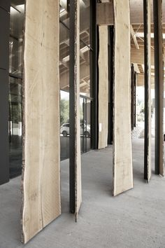 Image 8 of 22 from gallery of Mont-Blanc Base Camp / Kengo Kuma & Associates. Photograph by CAUE / Béatrice Cafieri Kengo Kuma, Sustainable Architecture, Architecture Details, Interior Architecture, Ancient Architecture, Landscape Architecture, Alpine Modern, Camping France, Urban Design Concept