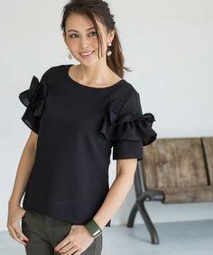 STYLE DELI(スタイルデリ)の【『VERY』5月号掲載商品】フリルポイントブラウスB(シャツ/ブラウス)|ブラック Mom Style, Mom Fashion, Sleeves, Image, Women, Blouses, Clothing, Mommy Fashion