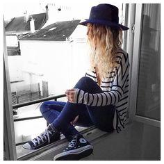 Marin✔ tee Lou #eponymcreation sur @meleponym (en janvier) Jean #zara (old) baskets #converse @converse chapeau #maisonmichel @maisonmichel sur @monnierfreres #ootd