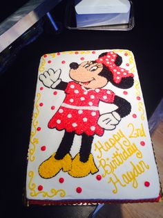 Minnie Mouse Cake. www.enchantingcake.com