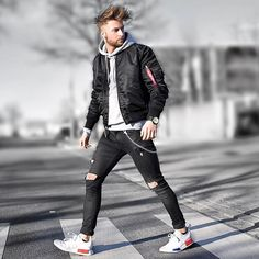 "5,262 Likes, 153 Comments - Tobias (@tobilikee) on Instagram: ""Coat Time Love my new coat from @blackkaviar CK Shirt by @zalando Chelsea's by @lordyastudios…"""