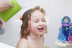 How to Take a Bleach Bath for Child Eczema