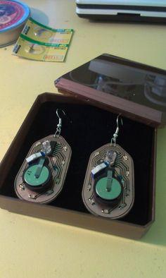 Blinkin' Earrings for my GF made using 4017. Video here: http://www.youtube.com/watch?v=TPbbJLsvcbY=youtu.be