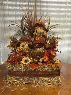 Wonderful Pic Hay Bale Decoration by Craftnrelax on Etsy Concepts These decorations are simple and straight forward, however many persons may possibly do not have the Hay Bale Decorations, Outside Fall Decorations, Thanksgiving Decorations, Halloween Decorations, Harvest Decorations, Thanksgiving Ideas, Fall Flower Arrangements, Autumn Decorating, Porch Decorating