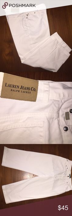 Ralph Lauren White Lightweight 100% Cotton Jeans. These are Ralph Lauren Capri cut , lightweight and great quality 100 % cotton , white pants. Machine washable in cold water, size 10. They are a high waisted style , so a really nice cut for anyone that has a long torso. No tag , however I don't think this garment was ever worn. Want exact measurements , please ask. Thank you 🦉 Ralph Lauren Pants Ankle & Cropped