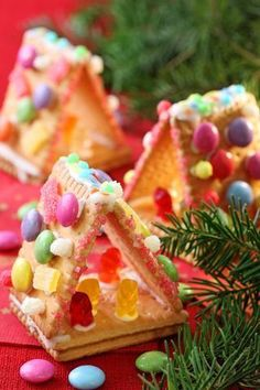 Little cookie houses - cute idea for the smaller kids to decorate. LOVE this idea!!