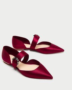 Zara Ballerinas With Gem Buckle Red Pretty Shoes, Beautiful Shoes, Cute Shoes, Me Too Shoes, Shoe Boots, Shoes Sandals, Flat Shoes, Zara Mode, Shoe Closet