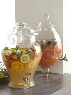 Cheers to these Chic Clear beverage dispensers - Nicely offered juices - nicer than a jug - for the brunch buffet - Party Drinks, Fun Drinks, Beverages, Cocktails, Cocktail Recipes, Drinks Alcohol, Alcohol Recipes, Party Snacks, Food And Drinks