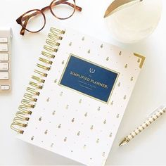 We absolutely LOVE seeing your @SimplifiedPlanner photos pop up on our Instagram feed! Be sure to tag @SimplifiedPlanner and #SimplifiedPlanner so we can share in the excitement! \\ Photo by @adashofdetails