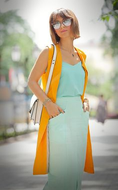 Orange and turquoise outfit for summer! Modest Fashion, Fashion Outfits, Womens Fashion, Turquoise Clothes, Estilo Glamour, Color Combinations For Clothes, Street Style Summer, Western Dresses, Colorful Fashion