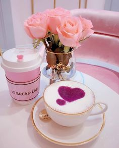 Find images and videos about pink, food and aesthetic on We Heart It - the app to get lost in what you love. Coffee And Books, Coffee Love, Coffee Cups, Tea Cups, Pochette Rose, Pink Sweets, Good Morning Beautiful Images, Good Morning Coffee, Good Morning Flowers