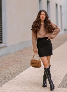 Casual College Outfits, Classy Work Outfits, Casual Winter Outfits, Winter Fashion Outfits, Everyday Outfits, Stylish Outfits, Stylish Jeans Top, Stylish Dress Designs, Looks Chic