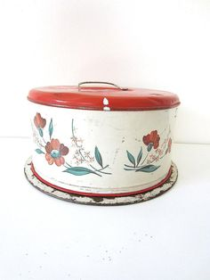 cake carrier red vintage