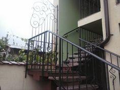 LAZAR FLORIN CONFECTII METALICE I.F. - Modele balustrade, scari si balcoane din fier forjat - Model: 80BSB67 - 10 ani de experienţă în domeniu. Seriozitate, corectitudine şi ...