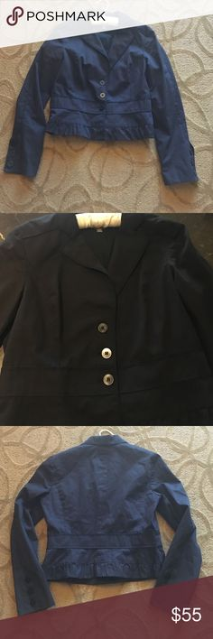 Halogen L Long sleeve button up collar blazer Look look crisp and professional during the day at work while fun and trendy at night in this classic halogen size large black  button up longsleeve blazer. Halogen Jackets & Coats Blazers
