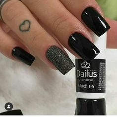 58 Cute And Elegant Acrylic Black Nails Design Ideas For Short Nails - Nails Art Ideas - Nagel Black Nails, White Nails, American Nails, Black Nail Designs, Halloween Nail Art, Nagel Gel, Creative Nails, Perfect Nails, Trendy Nails