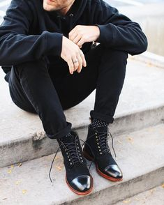 """16.9 mil Me gusta, 90 comentarios - Men's Fashion Post (@mensfashionpost) en Instagram: """"@taft Troy Boot in Black/Gold is back in stock! Available only at www.taftclothing.com @taft @taft"""""""