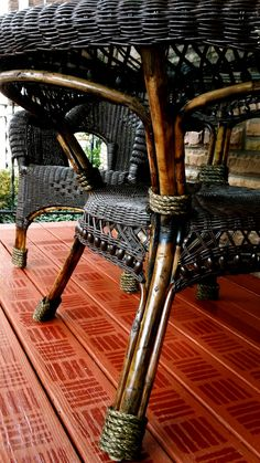 wicker makeover including tips on spray painting wicker