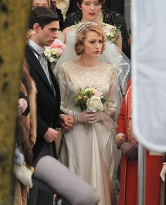 blake-lively-get-married-on-the-set-of-age-of-adaline-in-vancouver_4.jpg (1200×1486)