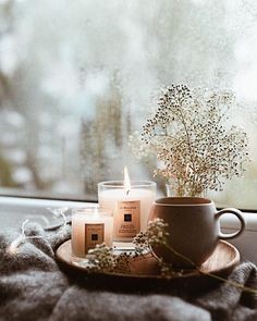 Pinkwinged hygge home inspiration Pinkwinged Cozy Aesthetic, Autumn Aesthetic, My New Room, My Room, Hygge Life, Autumn Cozy, How To Make Tea, Home And Deco, Rustic Furniture