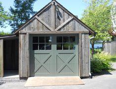 Porte de garage en bois - Menuiserie de l'Estrie