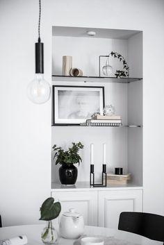 Organisera ditt hem utan att tappa stilen – 5 tips World Of Interiors, Beautiful Interior Design, Modern Interior, Living Room Interior, Home Decor Inspiration, Design Inspiration, Home Decor Accessories, Living Room Designs, Home Fashion