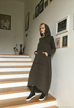 Купить Платье-худи из футера HOODIES - платье, трикотажное платье, большие размеры, длинное платье Modern Hijab Fashion, Weird Fashion, Funky Fashion, Cool Street Fashion, Modest Fashion, Fashion Dresses, Long Jumper Dress, Sweatshirt Dress, Stylish Dress Designs