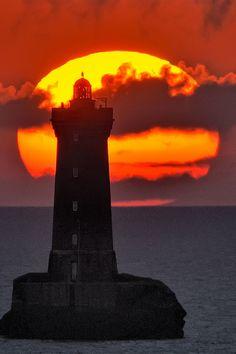 Lighthouse in grandeur